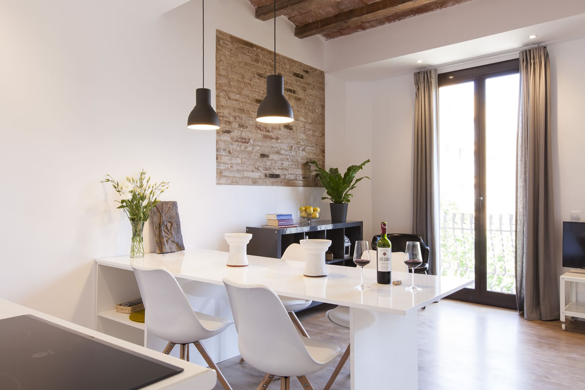 Aspasios charming flats trendy terrace central for Central apartments barcelona