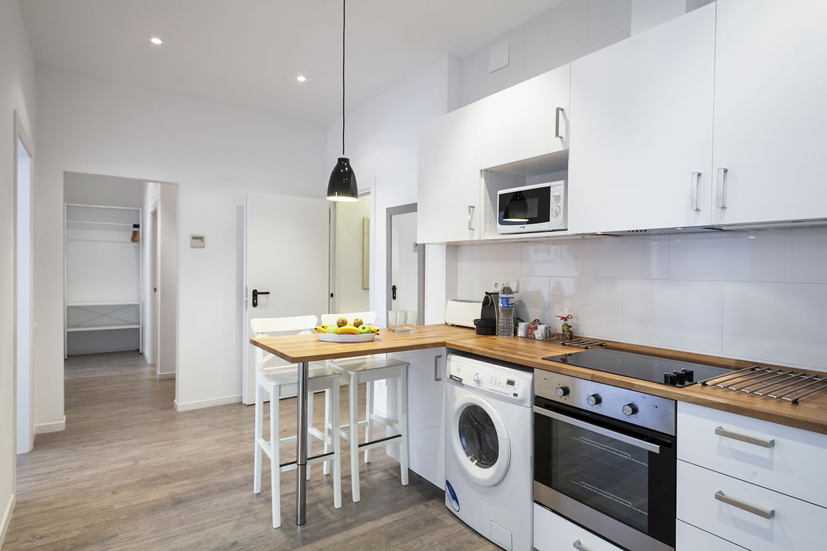 Kitchen  To stay in Rambla Catalunya Suites