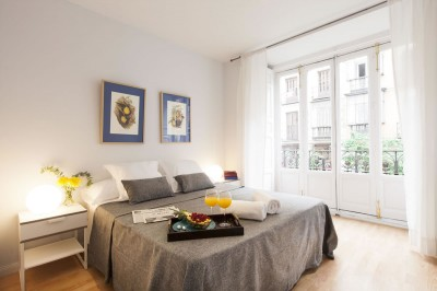 Dormitorio Habitacion Kare-No Calle Mayor Apartments trendy balcony