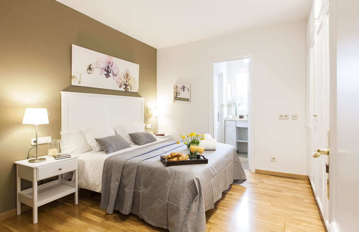 Bedroom To stay in Rambla Catalunya Suites Stylish