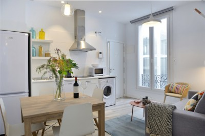 Kitchen & living room - Gran Via Apartments