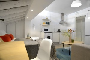 Studio kitchen - Gran Via Apartments