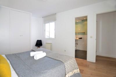 Bedroom Calle Mayor Apartments Elegant