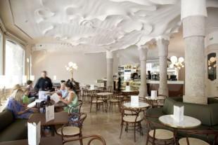 Café La Pedrera in Gaudí's famous building