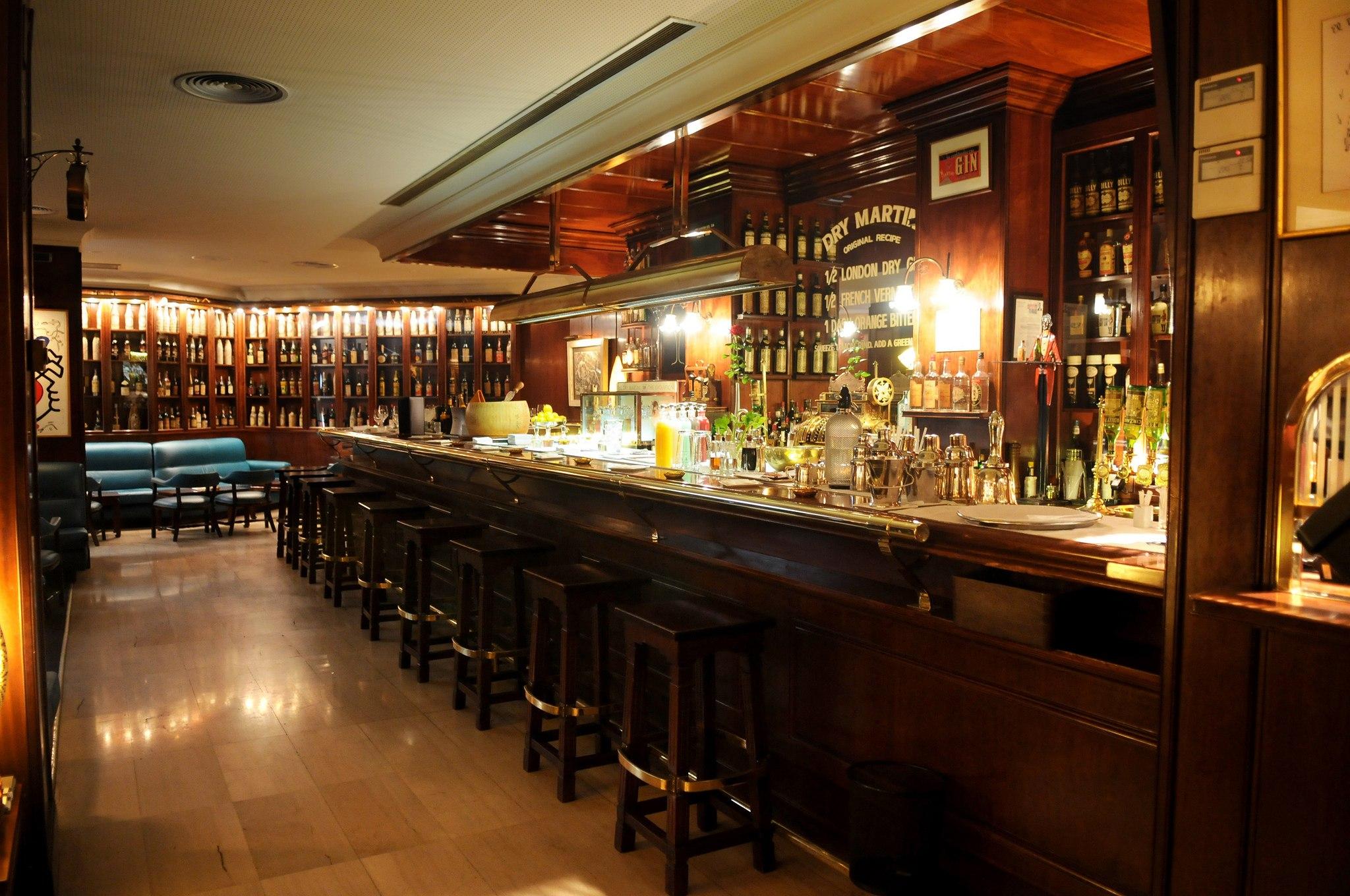 Exclusivos lugares barcelona para vivir experiencia nica for Barras para bares rusticos
