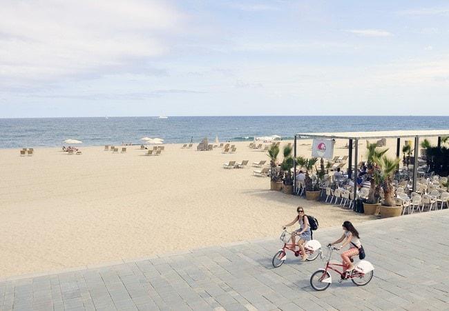 Barcelona beach-min