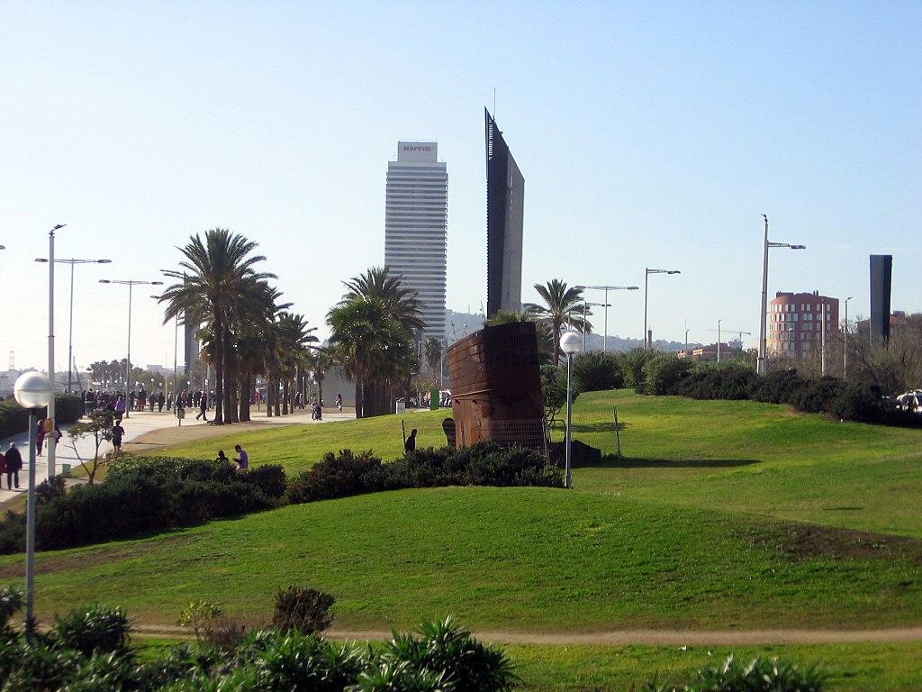Poblenou park near the beach